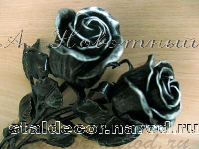 Кованые розы на могилу